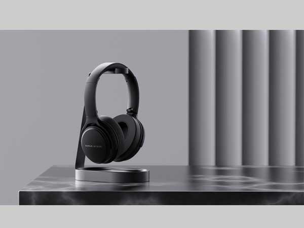 Boult-Anchor-headphone